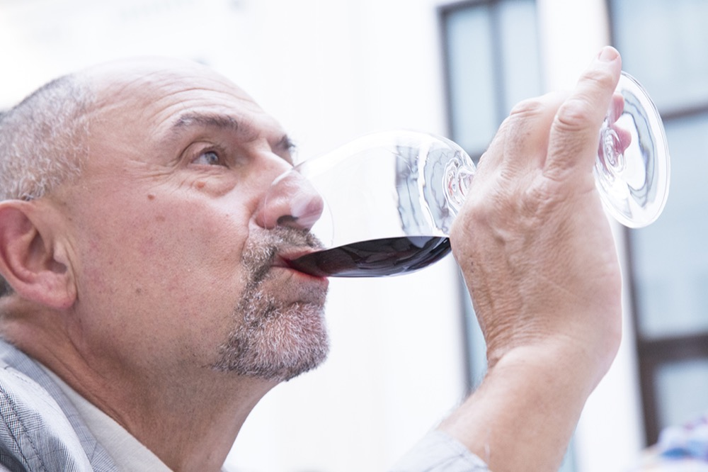 Experiencia Verema Málaga Cata Inaugural Bodegas Lan catando vino
